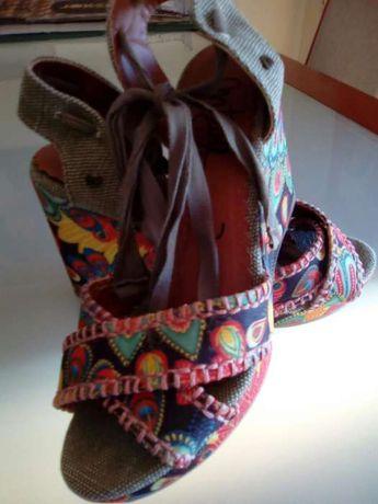 Sandálias Compensadas Tam 36 MTNG Novas