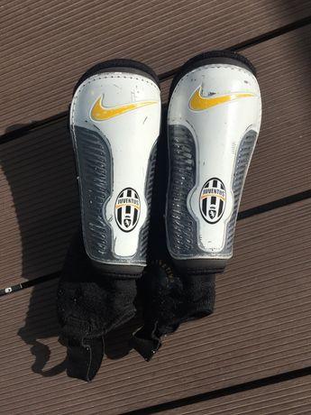 Caneleiras criança Nike oferta caneleiras Adidas