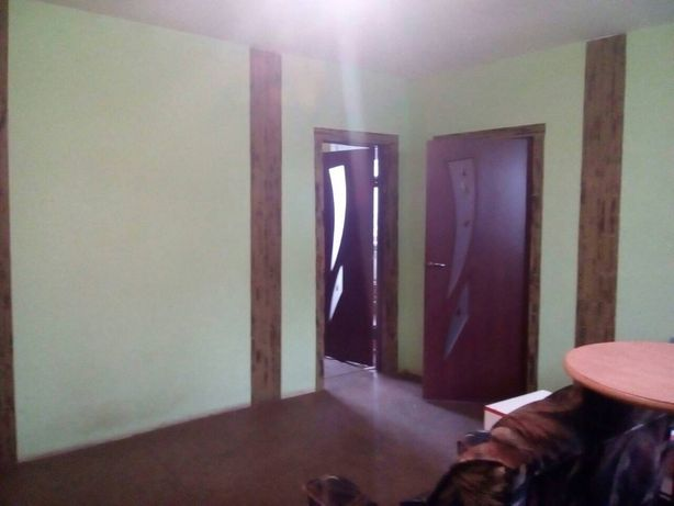 Продам в п. Молодежное(5 км от Фабрики) квартиру на земле.