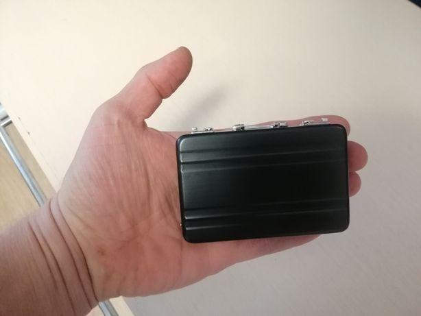 Декоративный чемоданчик (кошелёк, визитница)