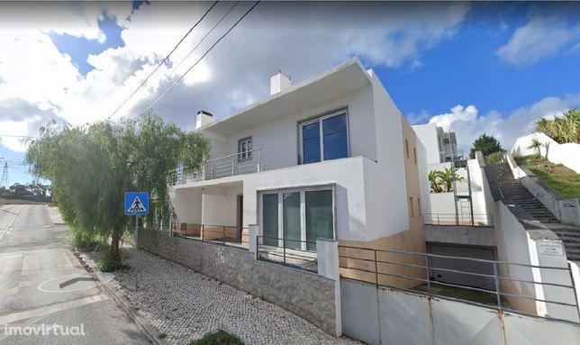 Moradia V4 Nova em Rio de Mouro