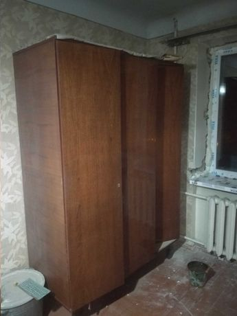 Шкаф можно на дрова . Метро Армейская