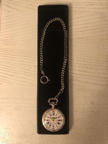 Швейцарские карманные (механические) часы марки FHB