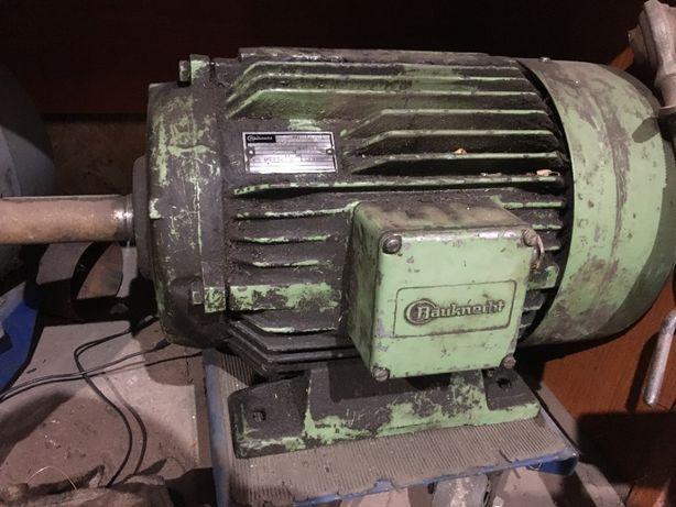 Sprzedam silnik elektryczny 11 KW 970 /min