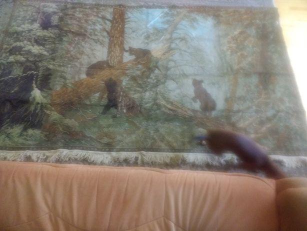 Ковер мишки в лесу