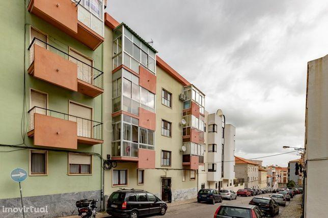 Apartamento T3 em Vila Franca de Xira, Bom Retiro