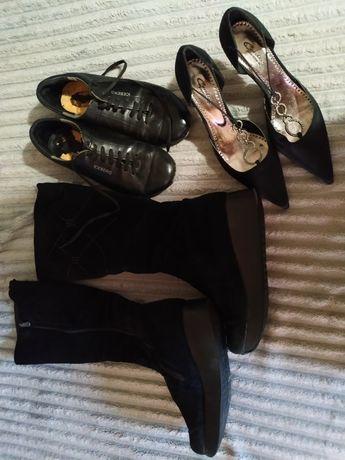 Продам женскую  обувь пакетом