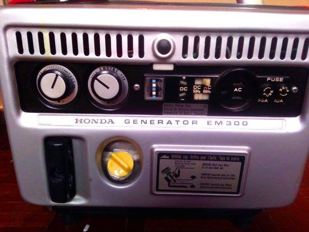 gerador Honda EM-300 impecável e vintage