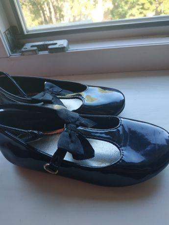 Продам нарядные туфельки H&M