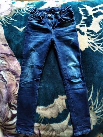 Турецкие зауженные джинсы 11/146 в идеальном состоянии