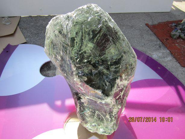 Cristal com cerca de 45kg(vidro)