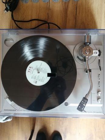 Gramofon firmy Nordmende model RP 1100