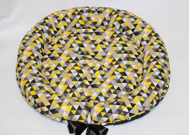 Кроватка для собачки Треугольники