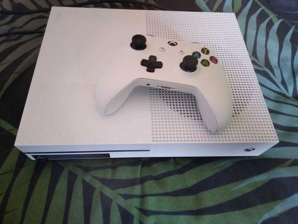 Vendo Xbox One 500gb +comando