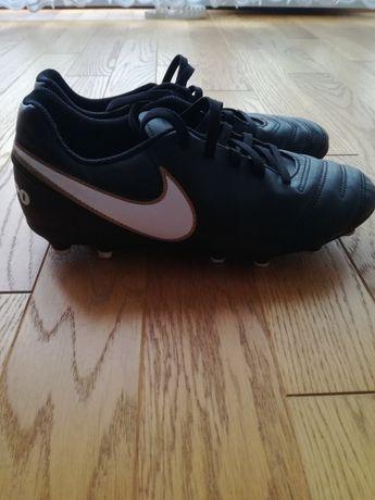 Korki Nike Tiempo 37,5