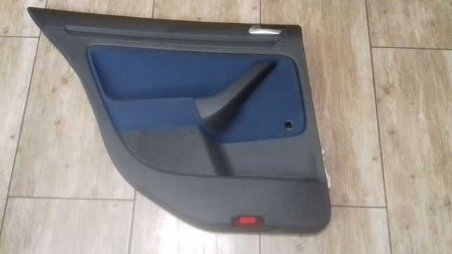 Boczki Golf V 5 d 2007r.