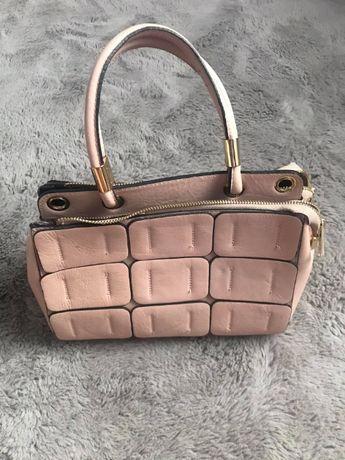 Różowa włoska torebka