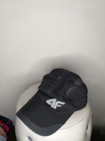 Nowa czapka z daszkiem   4F