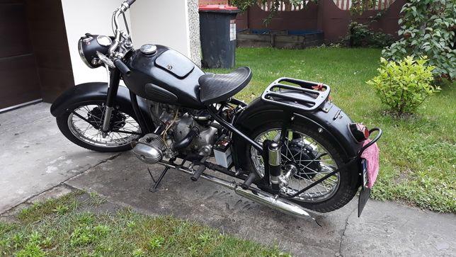 Sprzedam Urala M-62 irbit rok pr 1962 zarejestrowany