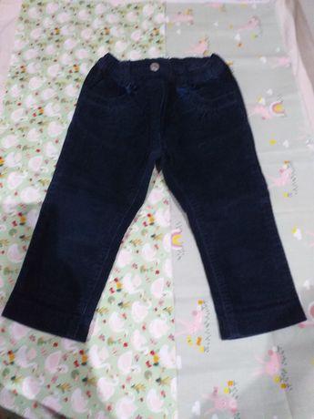 Calças  mayoral  de menina 12 -18 meses 6€ as duas unidades