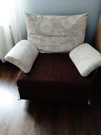 Sprzedam kanapę z fotelem