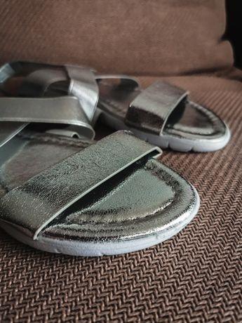 Buty srebrne  36/37 - - - - - - - > rezerwacja
