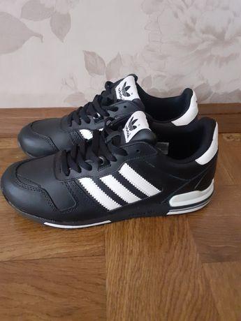 Кроссовки Adidas оригинал 42