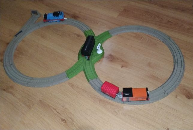 Thomas and Friends Trackmaster Figure 8 Deluxe Стартовый набор