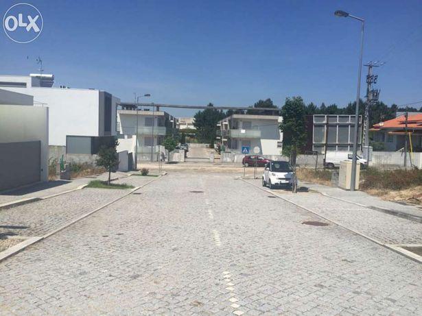 Terreno para construção permuta-se por auto-caravana em Barcelos