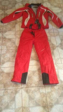 лыжный костюм.Червоного кольору.