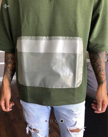 T-shirt caqui oversized com bolso trasparente ASOS