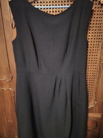Piekna czarna sukienka/pinceska r. 44