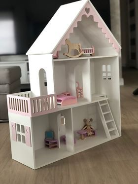 domek dla lalek, myszek Maileg drewniany, schodki, taras PRODUCENT