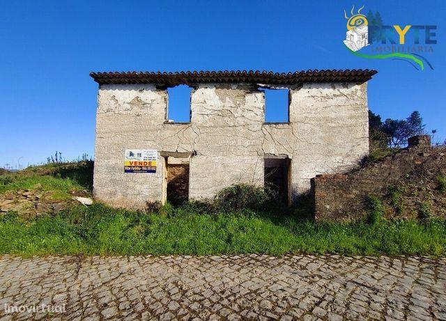 Moradia em ruínas para reconstrução situada em Cardiga Fundeira