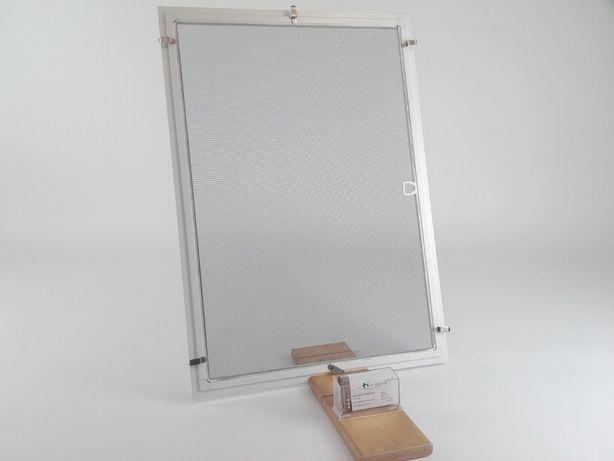 Moskitiera ramowa , siatka w okno, zasłona przeciw owadom