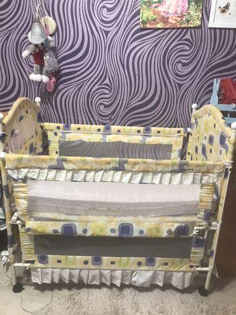 Детская кроватка. Матрас в подарок