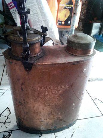 Pulverizador marca Hipólito em cobre com cana completo a funcionar