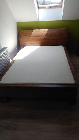Łóżko drewniane bardzo stabilne