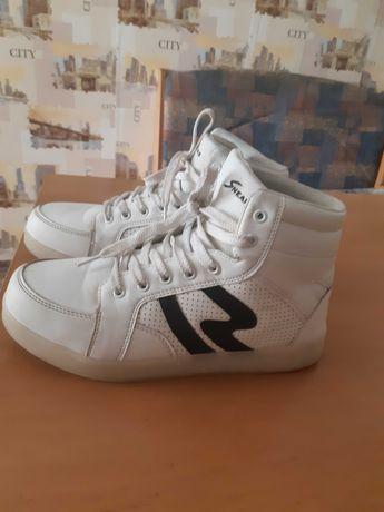 Sneakers взуття