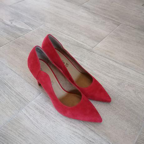 Buty na obcasie, szpilka, malinowa czerwień, rozm. 40