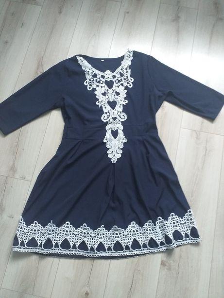 Śliczna sukienka r.44