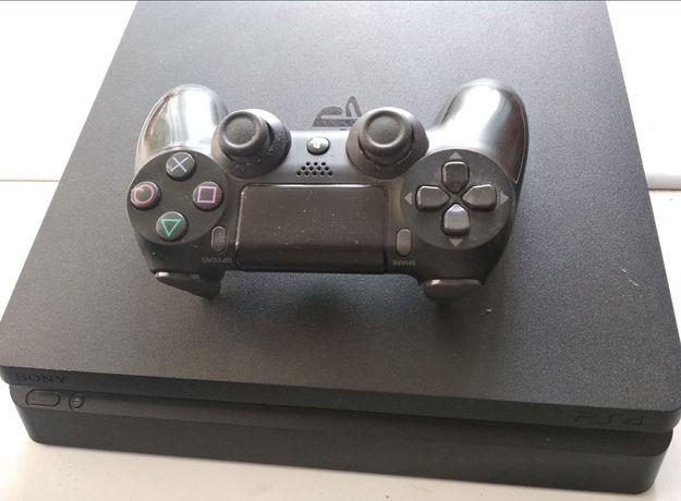 Playstation 4 Slim / 1trb