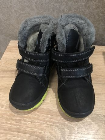 Детские зимние сапоги размер 25