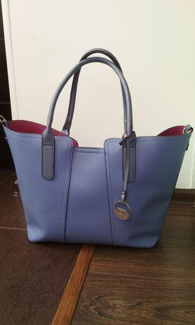 Женская сумка фирмы David Jones