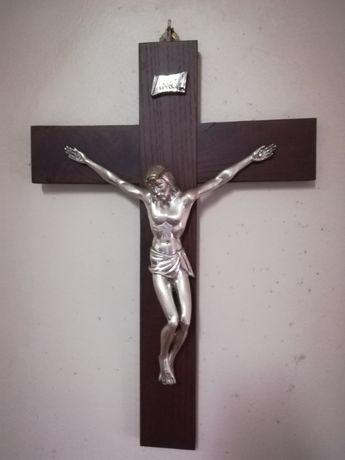 Crucifixo de parede novo
