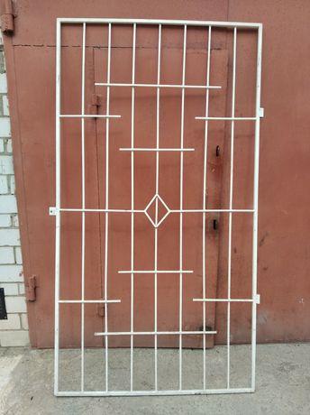 Продам дверную решетку.