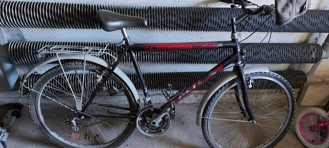 Stary rower do naprawy lub na części