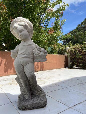 Estatueta para exterior