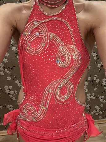 Продаю бальну сукню. Латина. Розшита камінням Swarovski