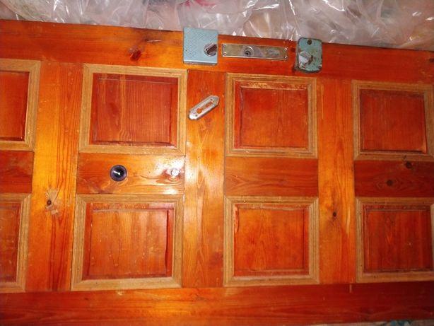 Дверь входная деревянная бу